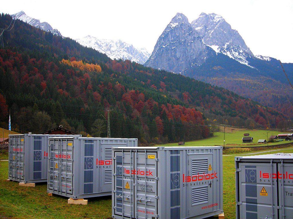 Miettrafo Miettransformator Isoblock Schaltanlagen am Fuße der Zugspitze zur FIS Alpine Ski WM in 2011 in Garmisch Partenkirchen