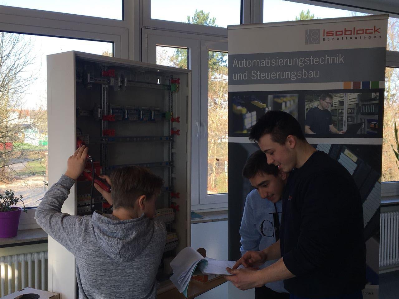 Praktische Beruforientierung in der Erich Maria Remarque Schule Osnabrück Elektroniker Fachrichtung Energie und Gebäudetechnik