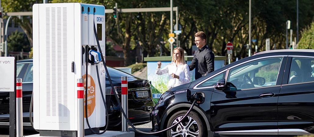 Ladesäule der Firma Isoblock in Dortmund mit einer Leistung von 150kW Audi Porsche